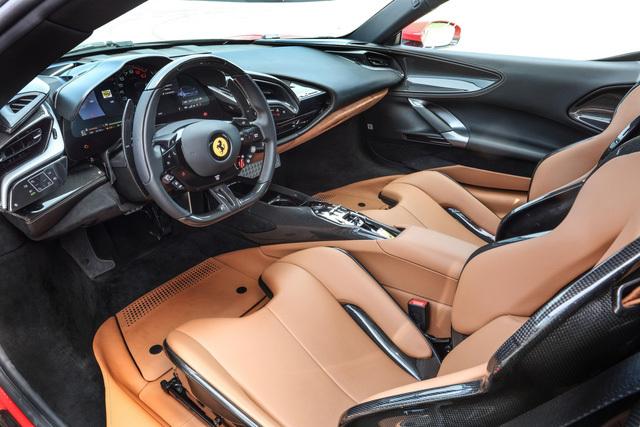 Cặp đôi Ferrari SF90 Stradale đầu tiên lên đường về cho đại gia Việt chơi Tết: 'Siêu ngựa' mạnh nhất, giá hàng chục tỷ, chưa phải xe của Hoàng Kim Khánh - ảnh 5