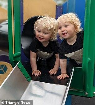 Xem camera trong phòng các con, bố mẹ sững sờ trước hành động của cặp song sinh lúc sáng sớm - ảnh 5
