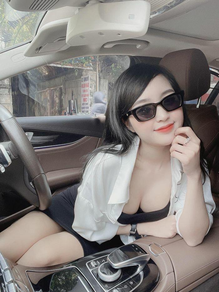 Lộ danh tính nữ CĐV đội tuyển Việt Nam ''sáng nhất'' MXH vừa qua - ảnh 3