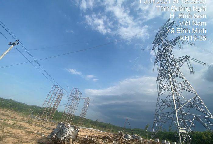 Nỗ lực để dự án đường dây 500 kV Dốc Sỏi-Pleku2 cán đích trong tháng 6/2021 - ảnh 1