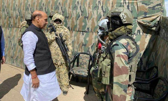 Ấn Độ tăng cảnh giới tại Ladakh do Trung Quốc, Pakistan tập trận ở Tây Tạng - ảnh 1