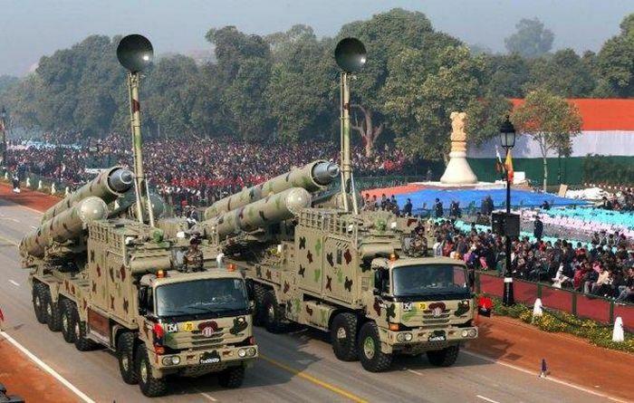 Tên lửa siêu thanh BrahMos thành ''sát thủ'' đánh chặn - ảnh 1