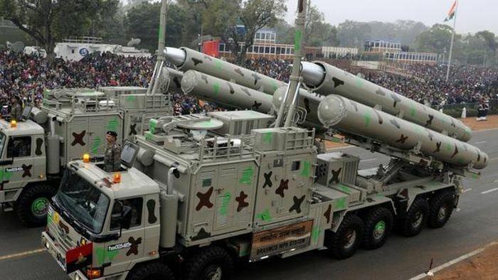 Tên lửa siêu thanh BrahMos thành ''sát thủ'' đánh chặn - ảnh 2