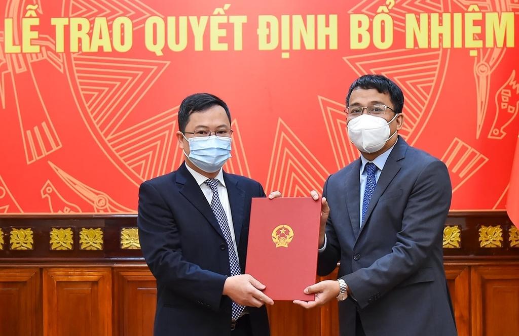 Trao quyết định bổ nhiệm Quyền Vụ trưởng Vụ Biên giới Việt – Trung - ảnh 1