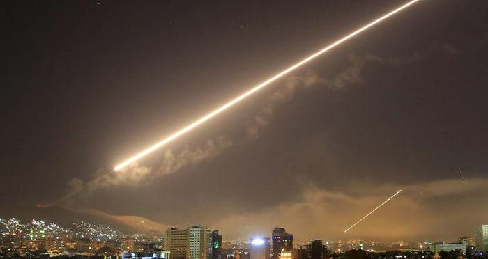 Syria đánh chặn tên lửa Israel trên bầu trời Damascus - ảnh 1