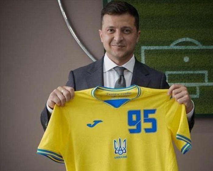 Nga lên án chính trị hóa thể thao vụ đồng phục Ukraine - ảnh 1