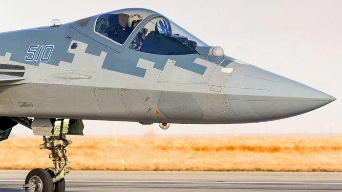Mỹ chê Su-57 là ''máy bay tồi tệ nhất'', phi công Nga lập tức phản ứng - ảnh 1