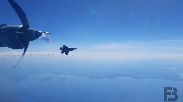 Su-30SM Nga áp sát buộc F-35 NATO phải đổi hướng bay - ảnh 3