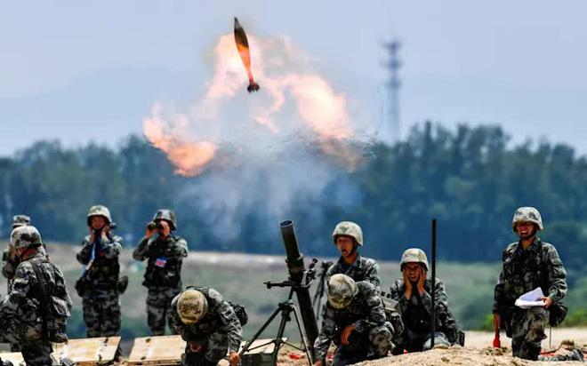 Trung-Ấn nóng bỏng: Trọng binh dồn về biên giới , hàng vạn quân chuẩn bị lao vào ăn thua đủ? - ảnh 1