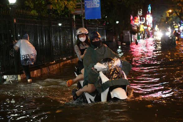 Áp thấp nhiệt đới mạnh lên thành bão, Hà Nội lên kịch bản ứng phó - ảnh 2
