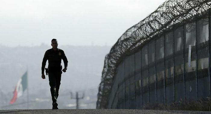 Lầu Năm Góc chuyển 2,2 tỷ USD từ quỹ xây tường biên giới với Mexico vào các dự án quân sự - ảnh 1