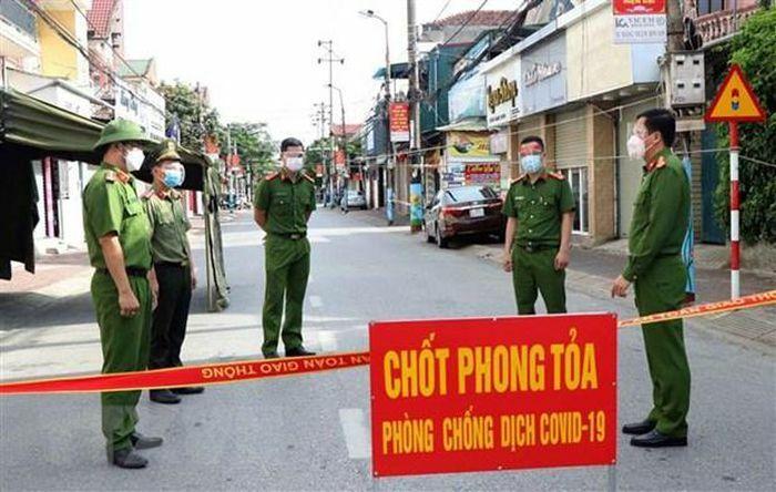 Hà Tĩnh thiết lập vùng cách ly y tế toàn bộ xã Thạch, thị trấn Lộc Hà - ảnh 1