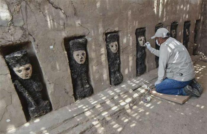 19 bức tượng bị chôn vùi và lãng quên hé lộ bí mật hơn 750 năm trước - ảnh 3