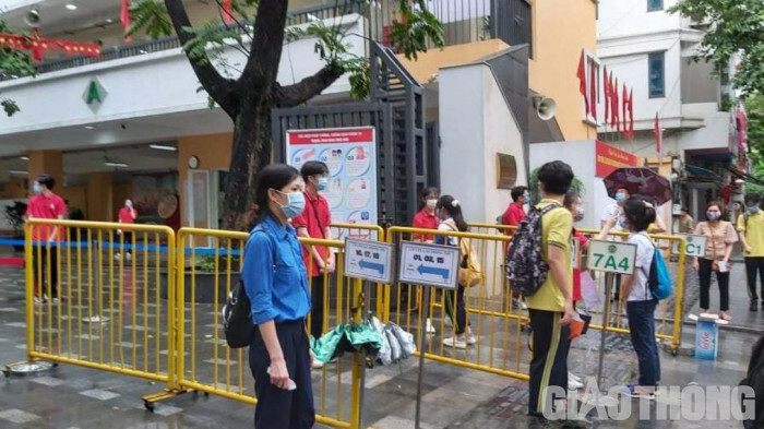 Huyện Gia Lâm: An toàn, nghiêm túc trong ngày thi đầu tiên vào lớp 10 THPT - ảnh 4