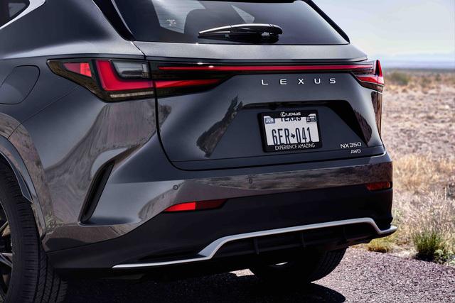 Ra mắt Lexus NX 2022: Nhìn qua dễ nhầm thành Porsche Macan, thêm 4 màn hình khổng lồ, đáp trả Mercedes-Benz GLC - ảnh 4