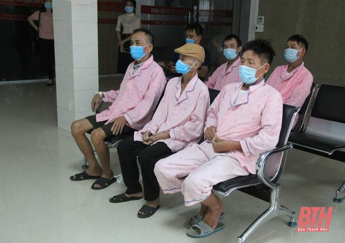 Bệnh viện Đa khoa Hợp Lực sẵn sàng tiếp nhận, bảo đảm cho các bệnh nhân ung bướu không bị gián đoạn điều trị do dịch COVID-19 - ảnh 2
