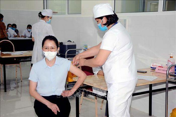 Quỹ vaccine phòng COVID-19: Khi người dân đồng lòng cùng Chính phủ - ảnh 1