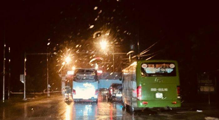 Hà Tĩnh: Điều động xe buýt làm điểm trực chốt phòng chống dịch Covid-19 - ảnh 2