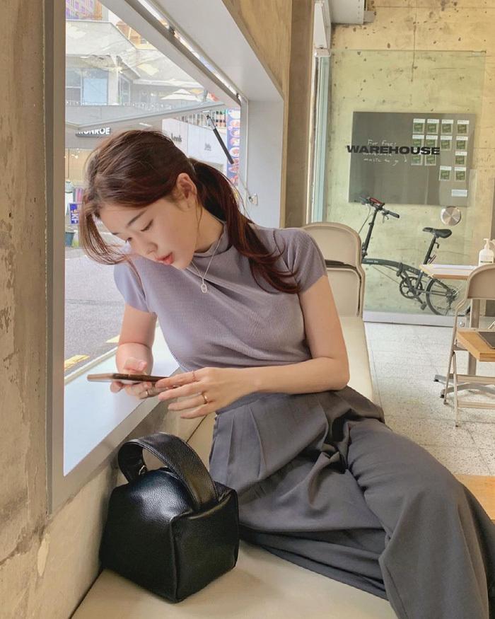 Chị em nên học gái Hàn mặc set đồng màu để sành điệu trong tích tắc - ảnh 10