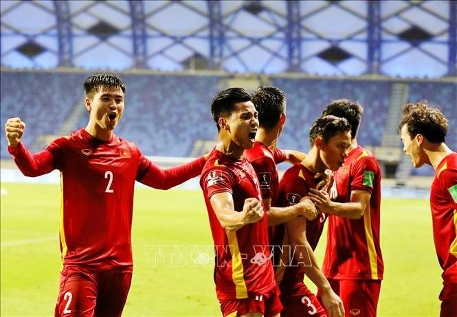 Nước chủ nhà UAE làm khó cổ động viên Việt Nam - ảnh 4
