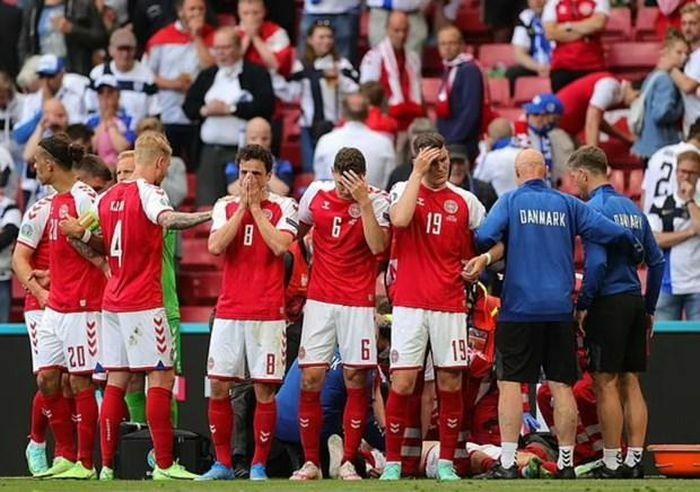 Tiền vệ Christian Eriksen của Đan Mạch bất tỉnh ngay trên sân - ảnh 2