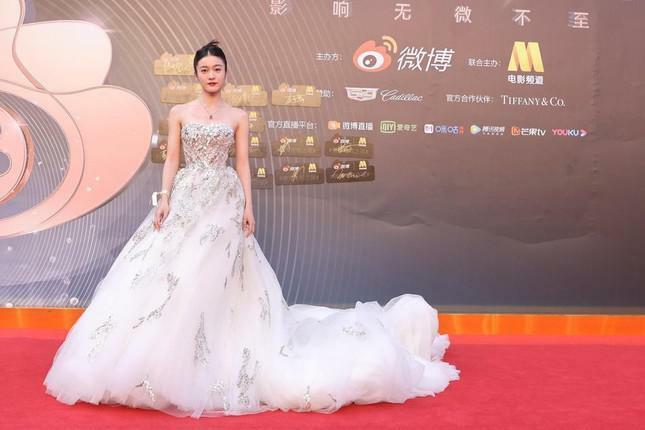 Dàn nàng thơ của Trương Nghệ Mưu 'đổ bộ' thảm đỏ Đêm Điện ảnh Weibo - ảnh 14