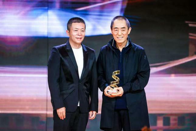 Dàn nàng thơ của Trương Nghệ Mưu 'đổ bộ' thảm đỏ Đêm Điện ảnh Weibo - ảnh 4
