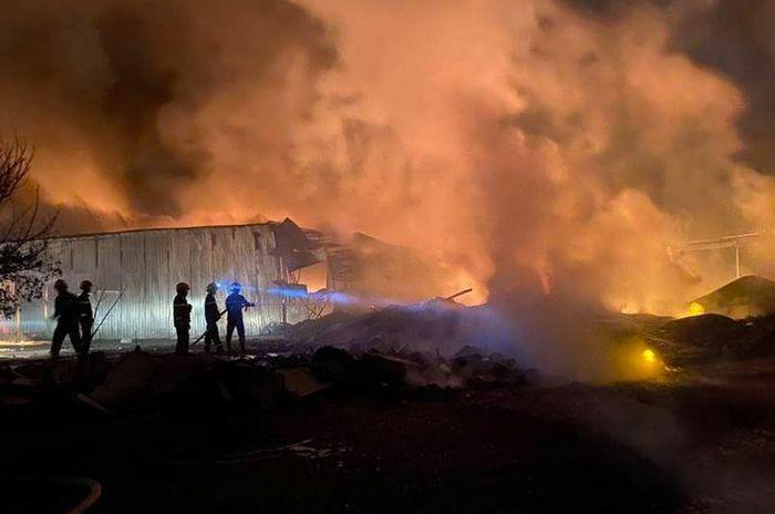 Điều tra vụ cháy lớn tại công ty sản xuất nhựa bao bì - ảnh 2