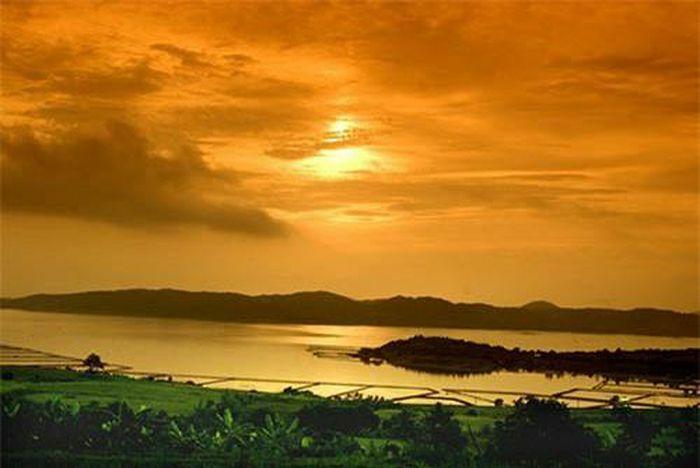 Phú Yên - Xứ sở biển xanh, mây trắng, cảnh sắc đẹp hơn cả trên phim ảnh - ảnh 12