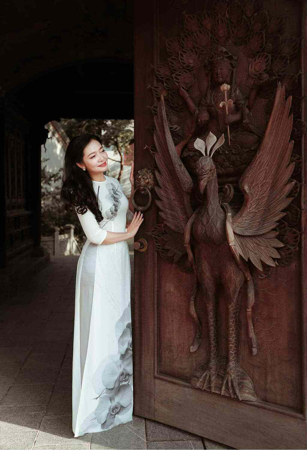 U50 quanh năm mực thước với áo dài vì tôn thờ vẻ đẹp cốt cách người Hà Nội - ảnh 10