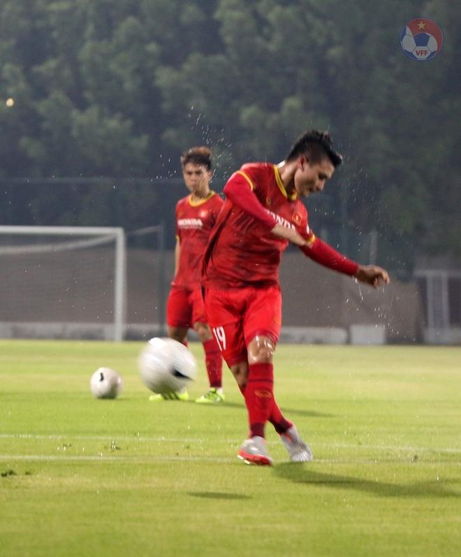 Tuấn Anh khó đá trận UAE, Quang Hải được HLV Park gặp riêng - ảnh 6