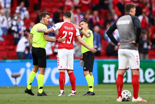Kiên cường trở lại sân sau sự cố kinh hoàng, Đan Mạch lại thua đau Phần Lan dù được đá penalty - ảnh 5