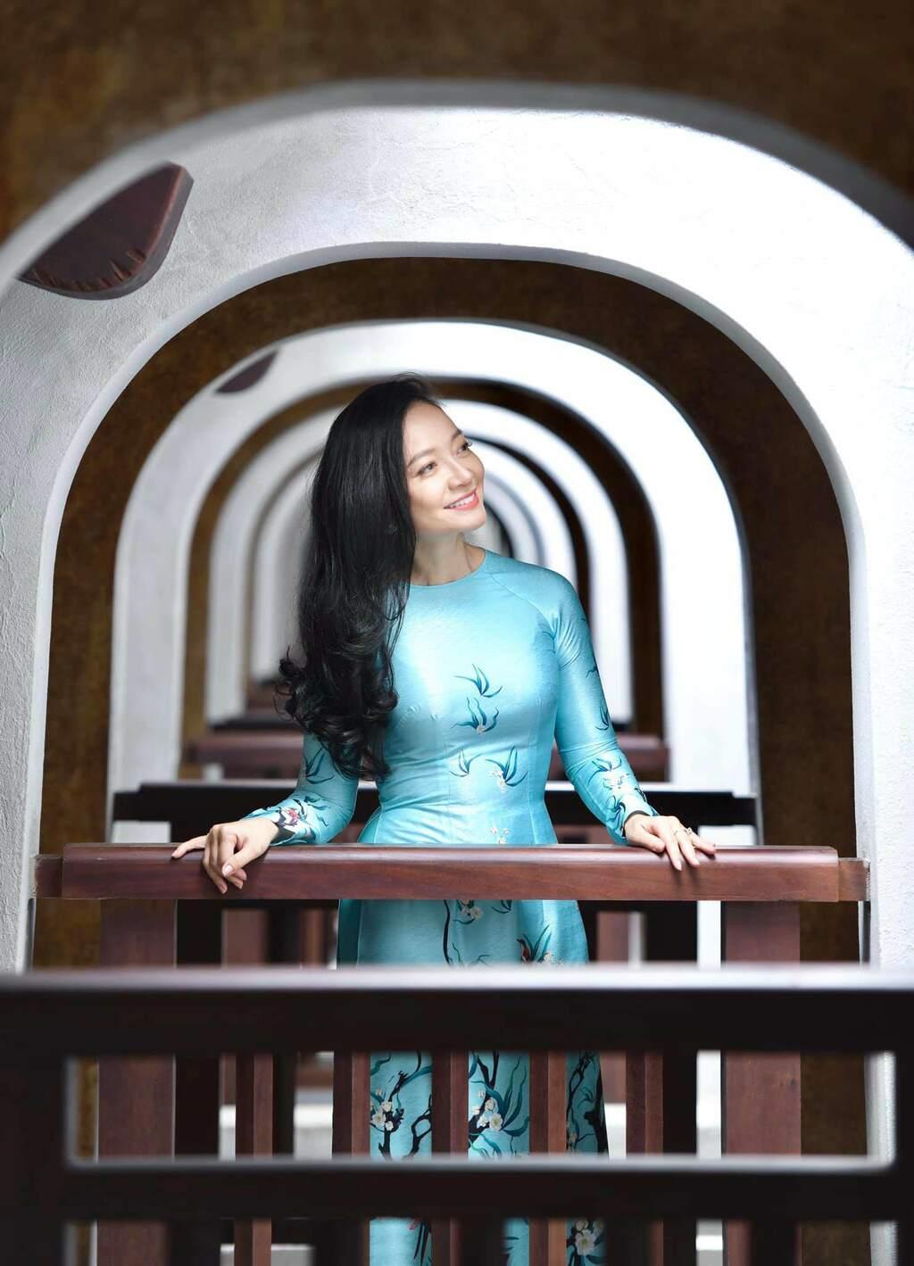 U50 quanh năm mực thước với áo dài vì tôn thờ vẻ đẹp cốt cách người Hà Nội - ảnh 3