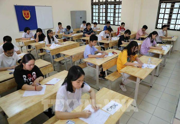 Đề thi vào lớp 10 môn Toán năm học 2021-2022 - ảnh 1