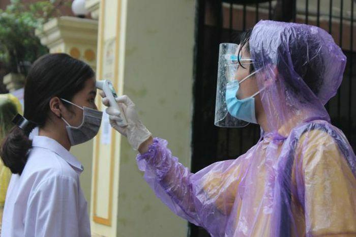 Thi vào lớp 10 tại Hà Nội: Hơn 93.000 thí sinh bước vào môn thi cuối - ảnh 1