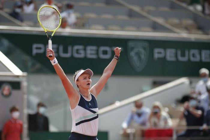 Krejcikova vô địch Roland Garros theo tiếng gọi của tiền bối - ảnh 1