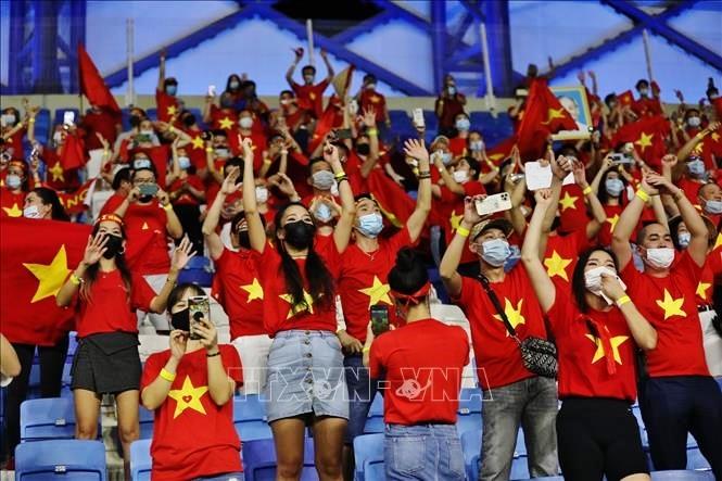 Nước chủ nhà UAE làm khó cổ động viên Việt Nam - ảnh 6