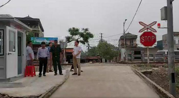 Triển khai mô hình ''Đoạn đường sắt ATGT'', xóa bỏ lối đi tự mở - ảnh 1