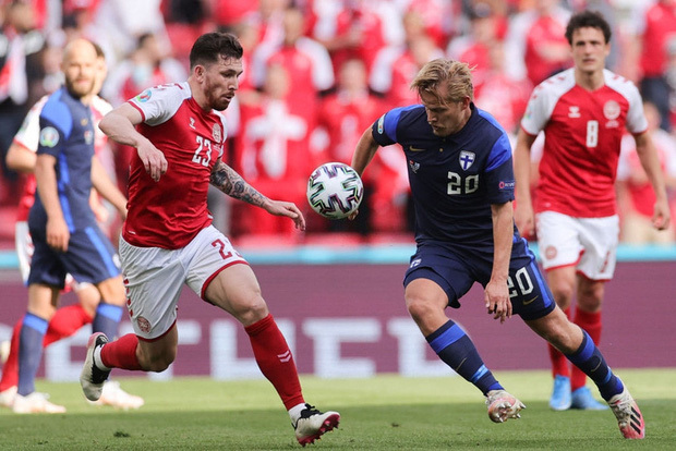 Kiên cường trở lại sân sau sự cố kinh hoàng, Đan Mạch lại thua đau Phần Lan dù được đá penalty - ảnh 1