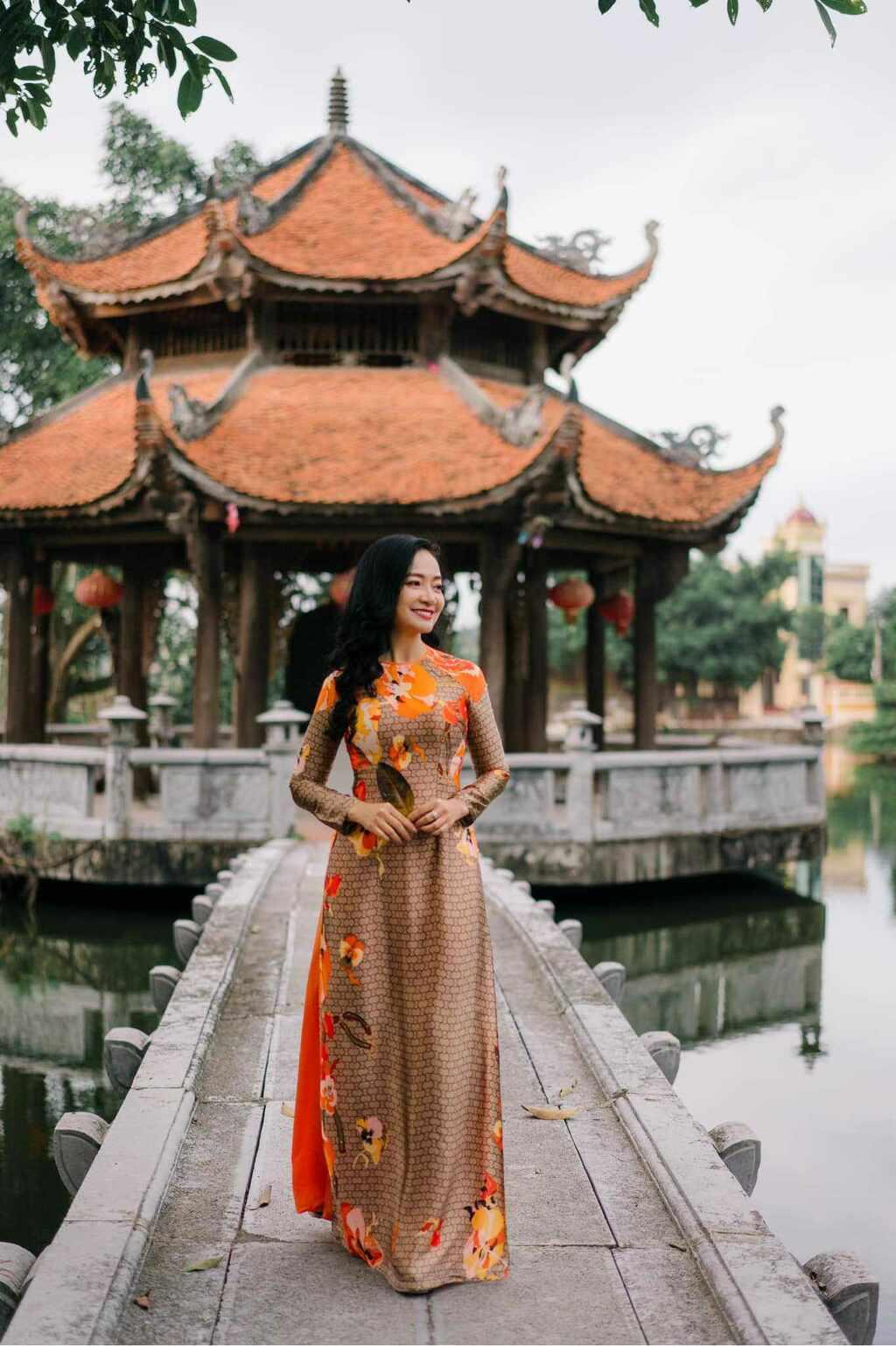 U50 quanh năm mực thước với áo dài vì tôn thờ vẻ đẹp cốt cách người Hà Nội - ảnh 8