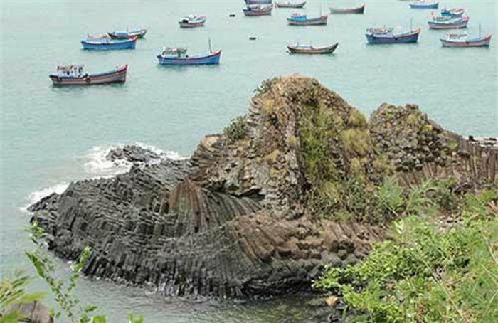 Phú Yên - Xứ sở biển xanh, mây trắng, cảnh sắc đẹp hơn cả trên phim ảnh - ảnh 5