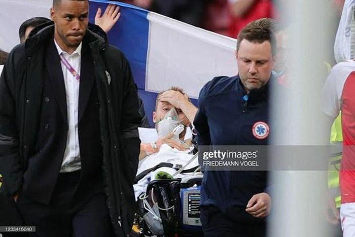Tiền vệ Christian Eriksen của Đan Mạch bất tỉnh ngay trên sân - ảnh 4