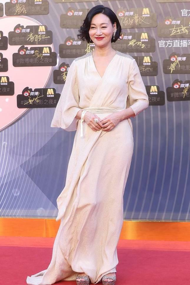 Dàn nàng thơ của Trương Nghệ Mưu 'đổ bộ' thảm đỏ Đêm Điện ảnh Weibo - ảnh 11