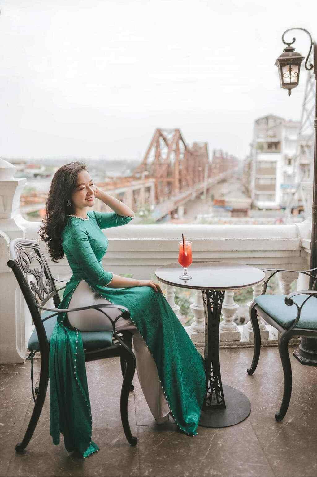 U50 quanh năm mực thước với áo dài vì tôn thờ vẻ đẹp cốt cách người Hà Nội - ảnh 12