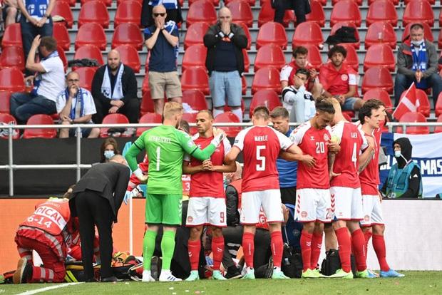Kiên cường trở lại sân sau sự cố kinh hoàng, Đan Mạch lại thua đau Phần Lan dù được đá penalty - ảnh 3