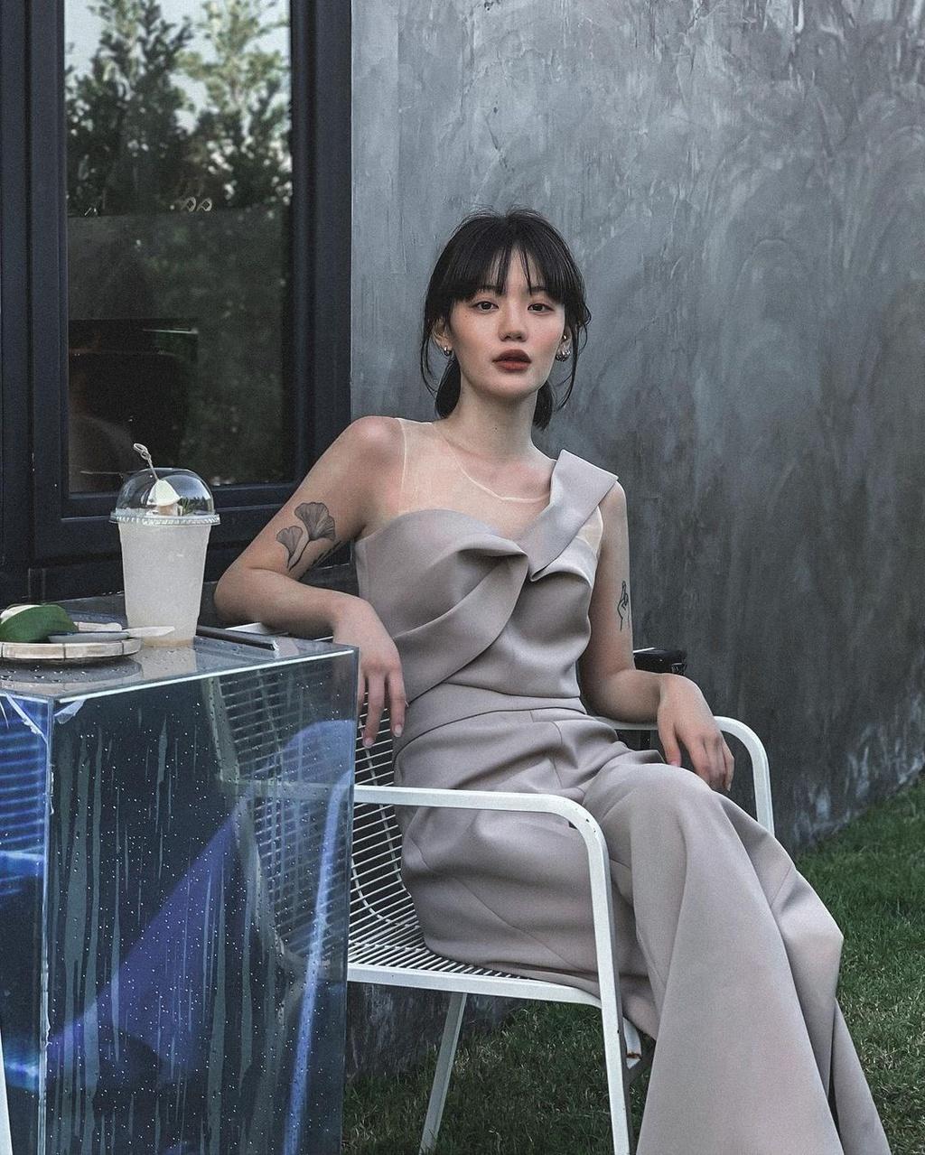 Hot girl Thái Lan có gu ăn mặc nổi tiếng trên mạng - ảnh 12
