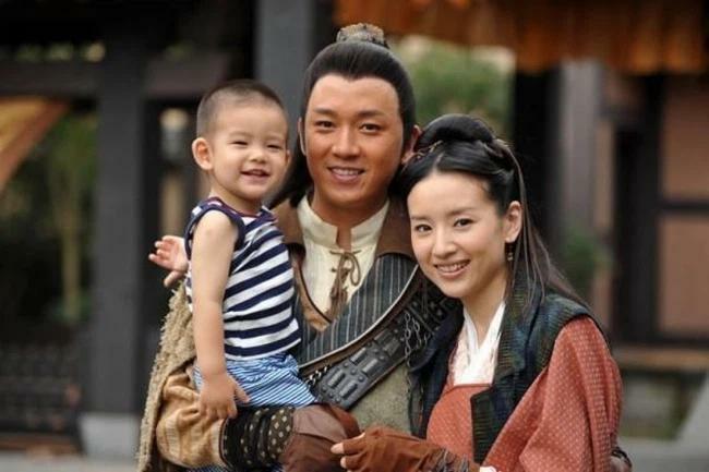 Đổng Khiết gây tranh cãi khi nhiều năm không cho con trai gặp bố - ảnh 3