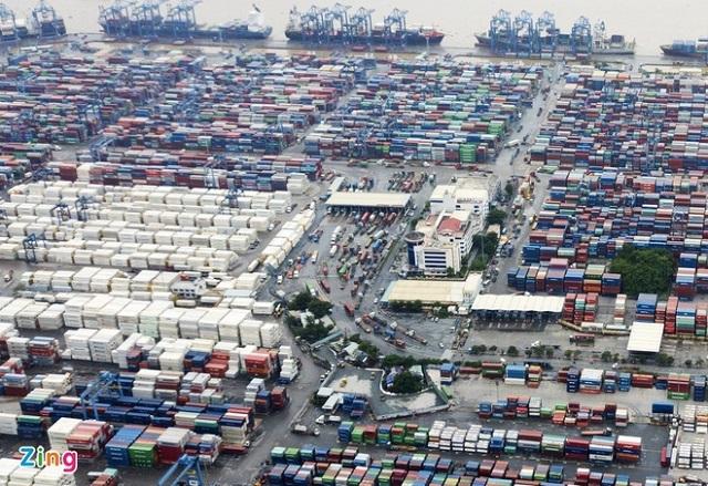 TP.HCM xin ý kiến lùi thời gian thu phí hạ tầng cảng biển - ảnh 1