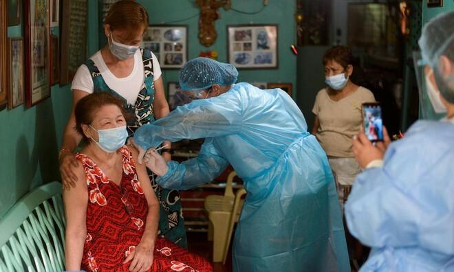 Tổng thống Philippines Duterte dọa bỏ tù người không tiêm vaccine Covid-19 - ảnh 1