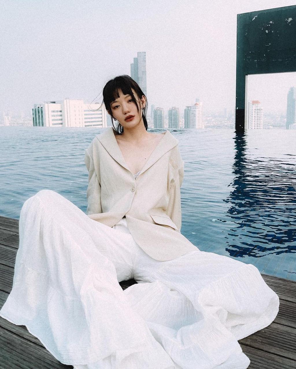Hot girl Thái Lan có gu ăn mặc nổi tiếng trên mạng - ảnh 11